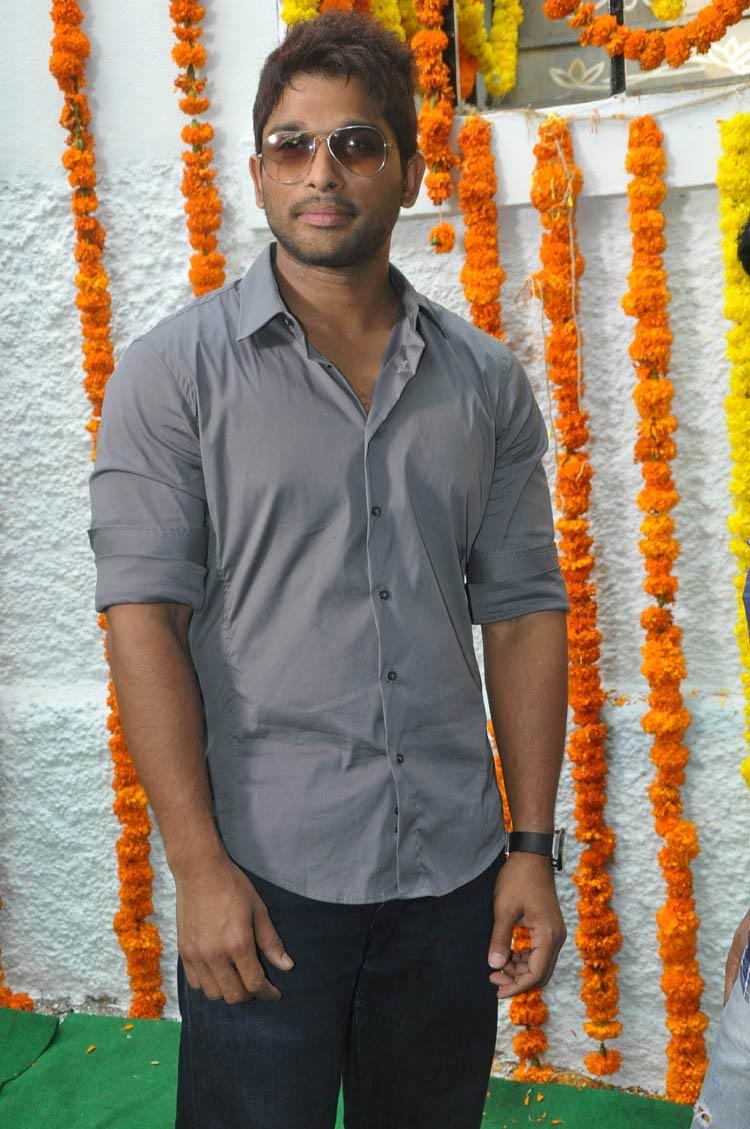 tollywoodtv: Allu Arjun New Movie Launch