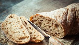 Νέα έρευνα: Ποια ώρα της ημέρας μπορείτε να τρώτε ψωμί για να χάσετε βάρος;