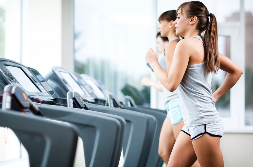Cardio tidak akan membuat perut kamu rata, karena kamu harus melatih otot di seluruh perut, bukan dengan cardio yang bertujuan untuk kesehatan jantung dan sistem pernapasan. Jika kamu memang serius ingin meratakan perut atau membuatnya jadi six pack, konsultasikan pada pelatih kebugaran.