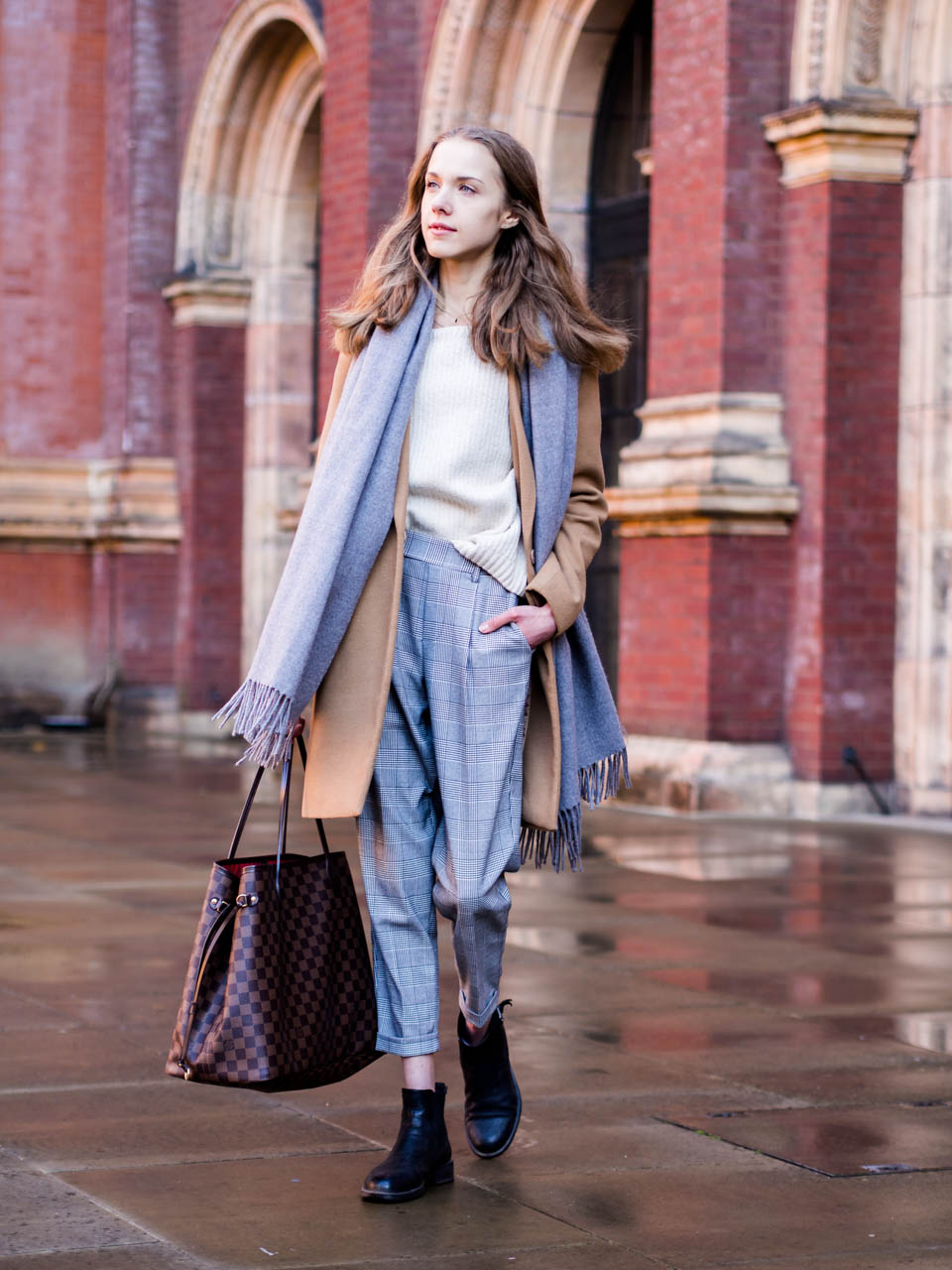 autumn-outfit-fashion-blogger-check-trousers-camel-coat-london-streetstyle