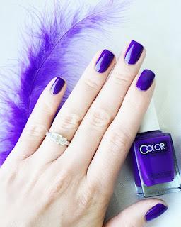 Disco Dress nail polish