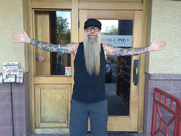tattooed-elderly-people-11