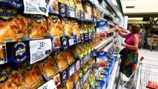La novedad es que para diseñar el nuevo listado de Precios Cuidados trabajó el especialista en nutrición, el Dr. Alberto Cormillot, quien fue desigando por el gobierno como Coordinador del Programa Nacional de Alimentación Saludable y Prevención de la Obesidad del Ministerio de Salud. El médico fue quién recomendó la inclusión de productos más saludables como presentaciones light, descremados, 0% sodio, sin sal, semillas, cereales, bebidas sin azúcar agregada y enlatados, es decir productos más saludables.