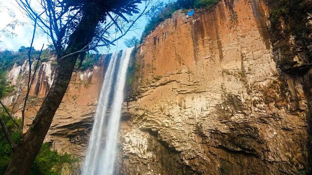 Cascata do Chuvisqueiro em Riozinho