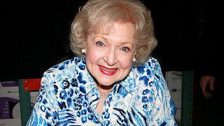 Betty White shoots music video to help the Los Angeles Zoo (VIDEO)