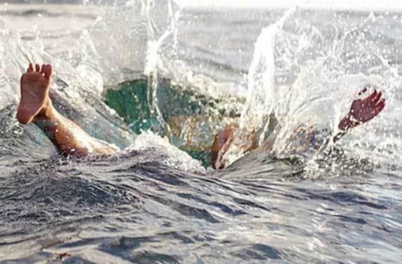 Mandi Laut Bersama Ponakan, Kepsek SD Terseret Arus