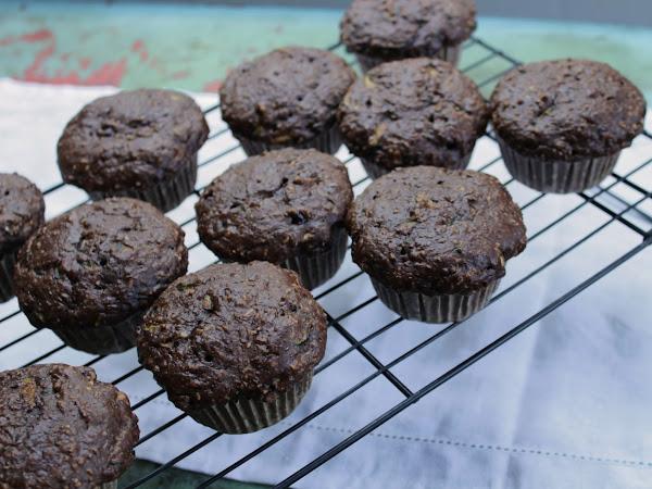 Muffins to the rescue!  (Chocolate zucchini breakfast muffins)
