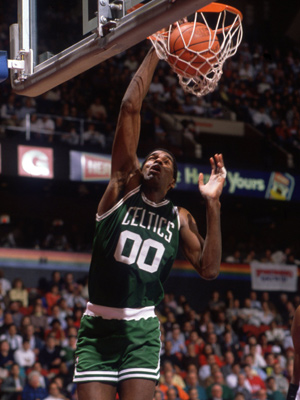 Robert-parish-dunk300400
