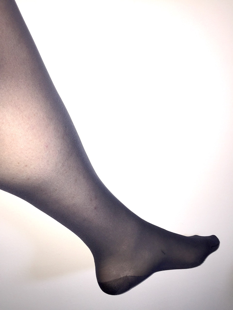 Wearing pantyhose uncomfortable, cumshot without permission