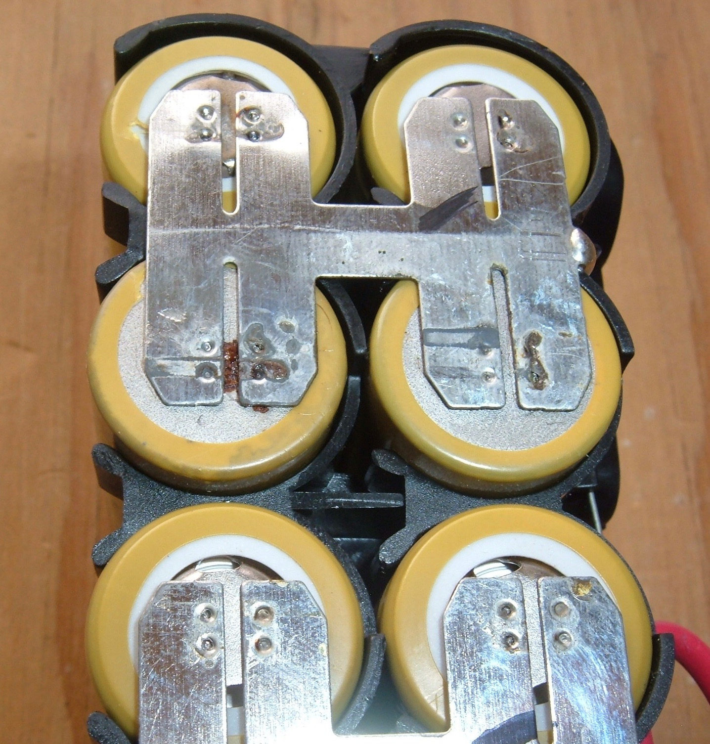 Syonyks Project Blog Dewalt 20v Max 30ah Battery Pack Teardown The Kill Switch Be Hooked Up Positive Or Negative To Its A Hair Under 0012 So 030mm Twice As Thick Common 015mm Nickel Strip Used In Ebike