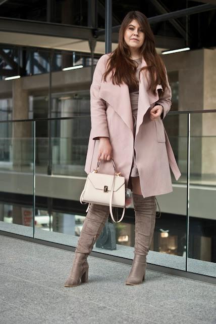 Płaszcz Jesienny pudrowy