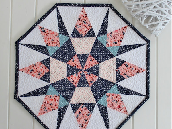 Sundial Mini Quilt + Your Free November 2017 Calendar
