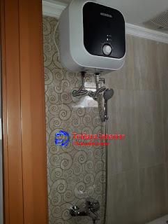 interior-kamar-mandi-apartemen-puri-park-view