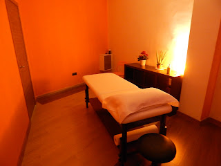 Massage room ideal for guests of the nearby igh Hotel Eliseos in malaga, sexy, naked client, finger ass, erotic