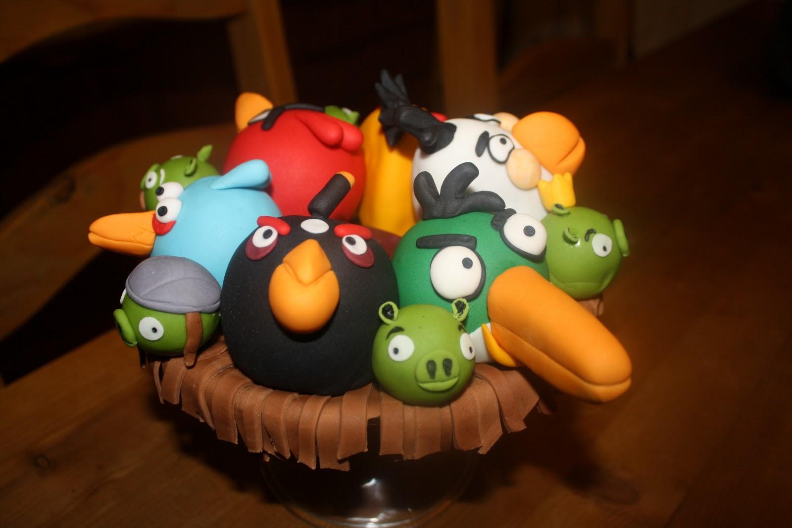 Sloppyjoe Baking Angry Birds Individual Cakes