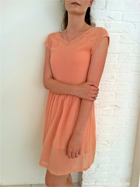 Sukienka z Pasażu pod Gryfem w Międzyzdrojach