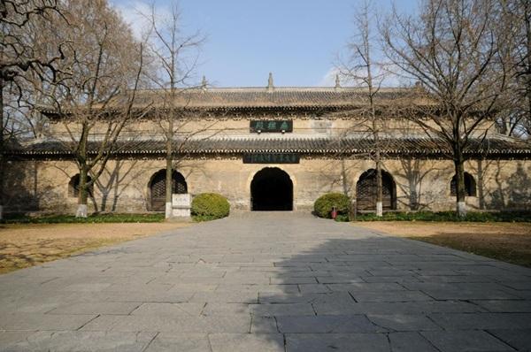 หออู่เหลียงในวัดหลิงกู่ (Linggu Temple: 灵谷寺) @ www.heesterbeek.net