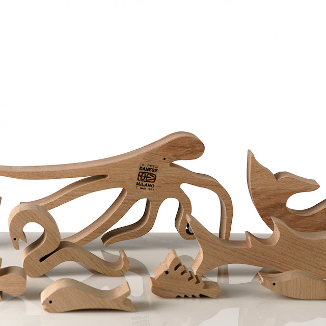 Modern 16 pesci wooden enzo mari design puzzle for Danese design milano