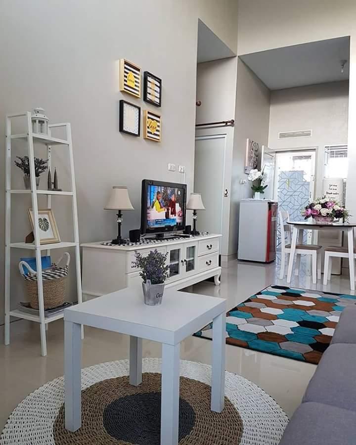 Ruang keluarga rumah minimalis yang melegakan