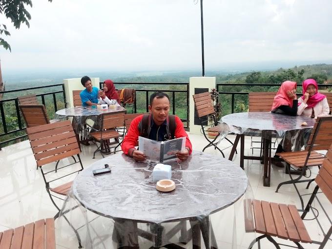 Warung Dhuwur Blora ( WDB ), Resto Baru Bernuansa Puncak Dengan Harga Kaki Lima