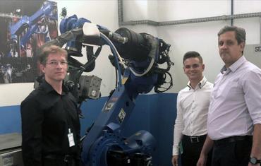 Fábio Franzoni, Ruan Belizário e o representante da fabricante do robô
