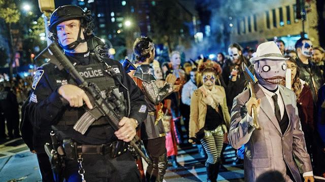 Хэллоуинский парад