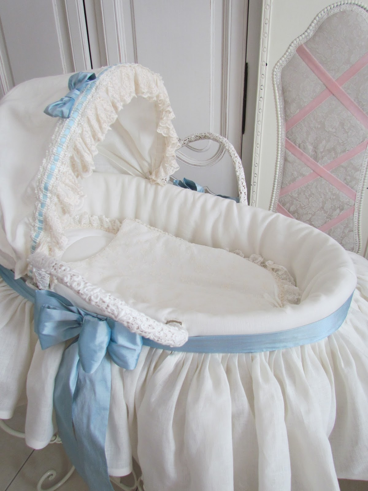 Angela Lace Two Linen Moses Baskets