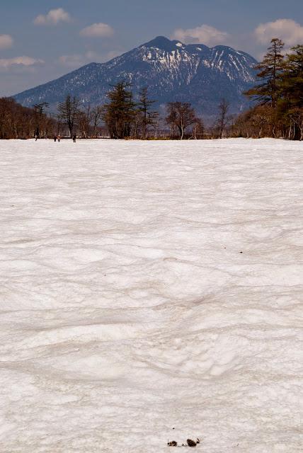 尾瀬ヶ原ごしの燧ヶ岳とは7ヶ月ぶりのご対面