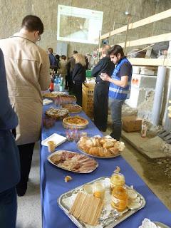 Le buffet attend les visiteurs