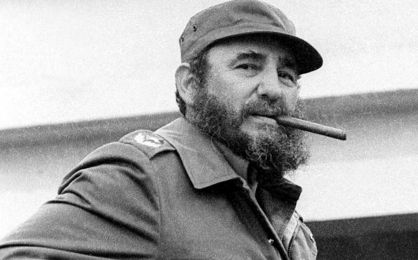 EE.UU le debe 100 dólares a Fidel 1