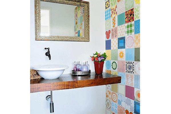 decorar lavabo antigo:Inspiração para banheiros e lavabos rústicos! – Jeito de Casa