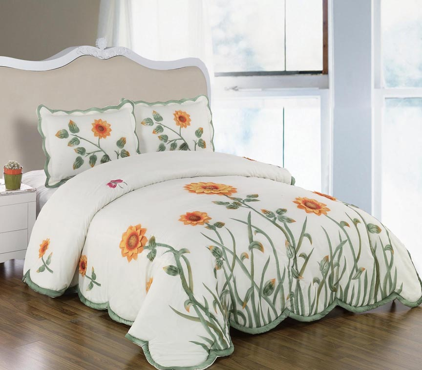 Sunflower Bedspread Set Matching Curtains