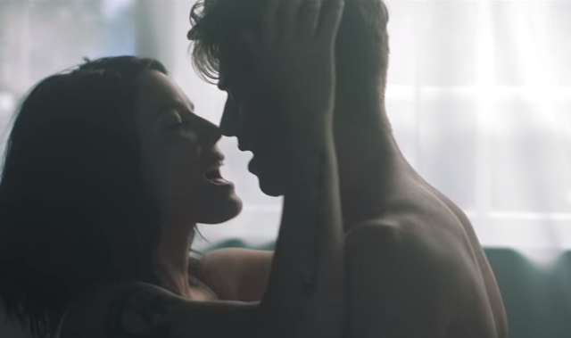 Estreno: The Chainsmokers ft. Halsey - Closer (Vídeo)