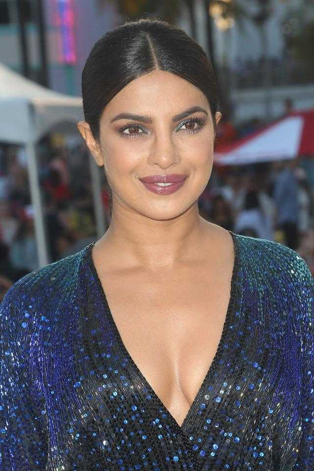 Glamorous Hindi Girl Priyanka Chopra Smiling Face Close UP Photos