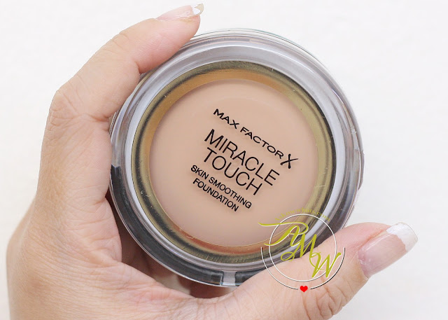 a photo of Max FactorX Miracle Touch Skin Smoothing Foundation