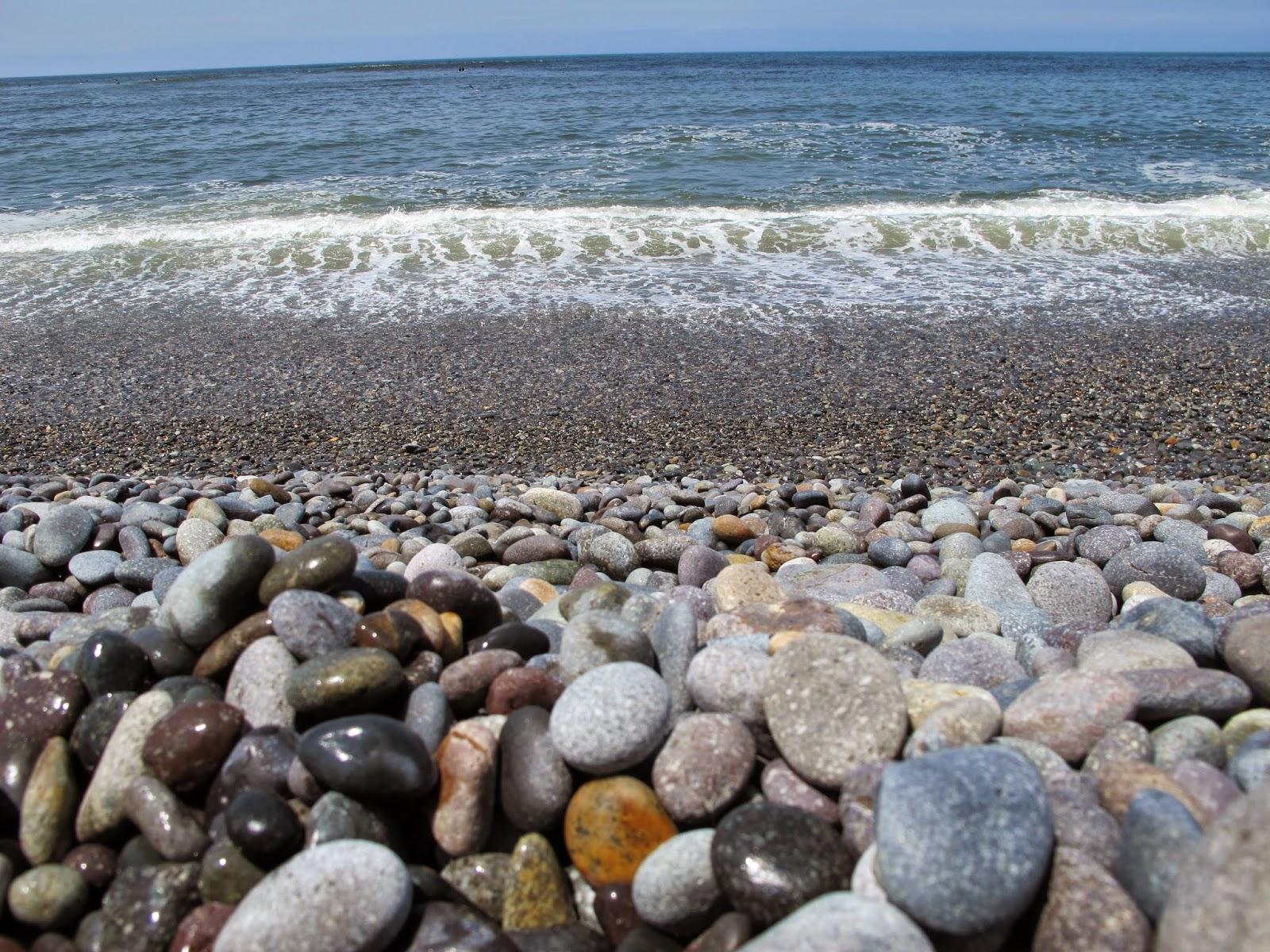 Como chegar na praia em Lima, no Peru. Praia das pedras e dos surfistas. Beach