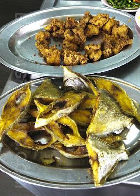 Ayam dan Ikan Goreng