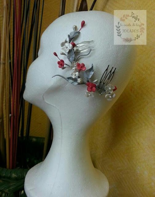 peineta silvestre para novia artesanal realizada en porcelana fría