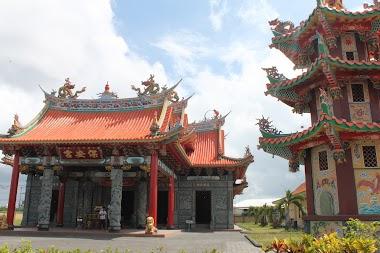 Trip to Satya Dharma Temple and Nusa Lembongan in Bali