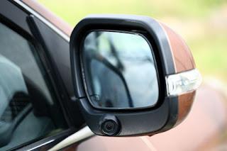 Chống điểm mù khi lái ô tô lắp camera