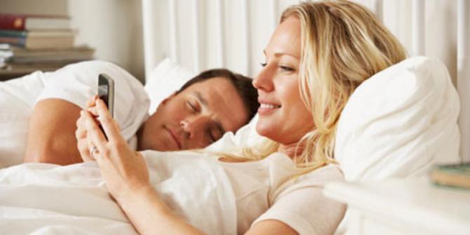 Ketahui Seberapa Bahaya Gunakan Gadget Sebelum Tidur