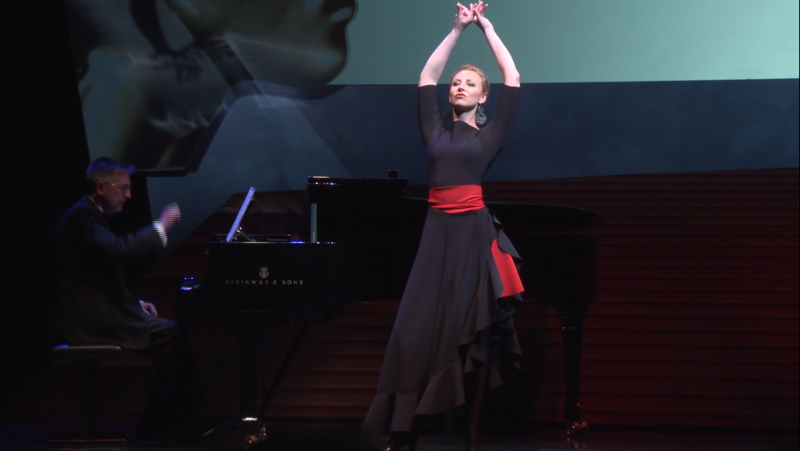 Justina Gringyte and Richard Peirson, in the Habanera from Bizet's Carmen at the 2015 International Opera Awards