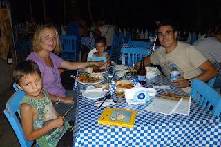 Cenando en Şirince.