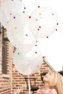 Воздушные шарики с помпончиками