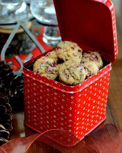 Fresh Cranberry Drop Cookies ♥ KitchenParade.com, easy, festive cranberry cookie, a real crowd pleaser.