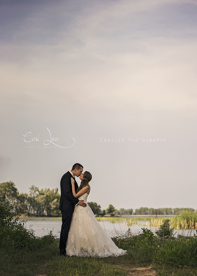 environmental documentary wedding photography by Green Bay wedding photographer Casi Lark