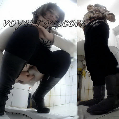 VB Piss 1676-1685 (Real women pee in toilet secret cam video)