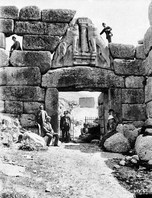 Αύγουστος 1876: Ο Ερρίκος Σλήμαν ξεκινά τις ανασκαφές στις Μυκήνες