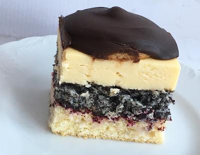 Ciasto z kremem i biszkoptami