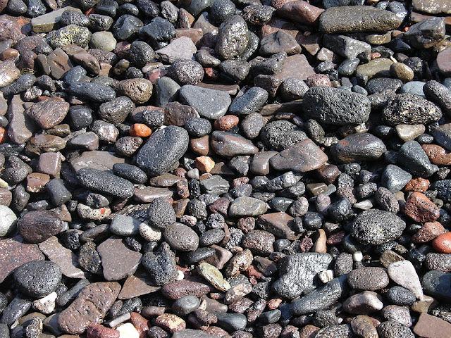 batu batu aneh